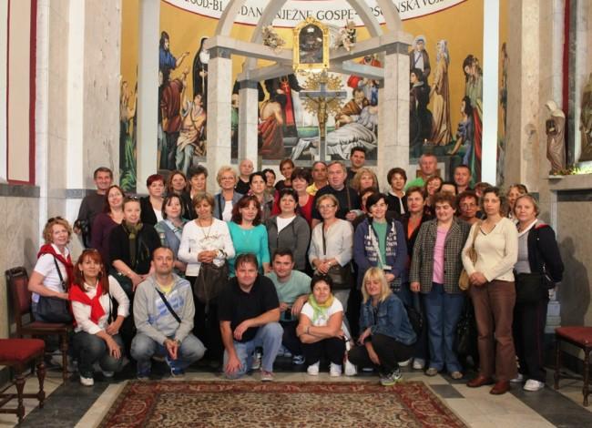 Posjet Pakračana svetištu na Tekijama
