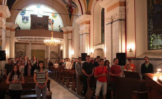 Tekije ugostile mladež Subotičke biskupije na njihovu putu prema Sarajevu i susretu s papom Franjom