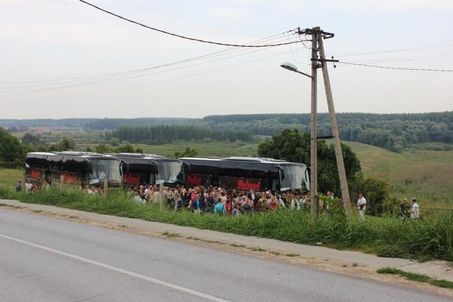 Tri autobusa iz Cerne na Tekijama